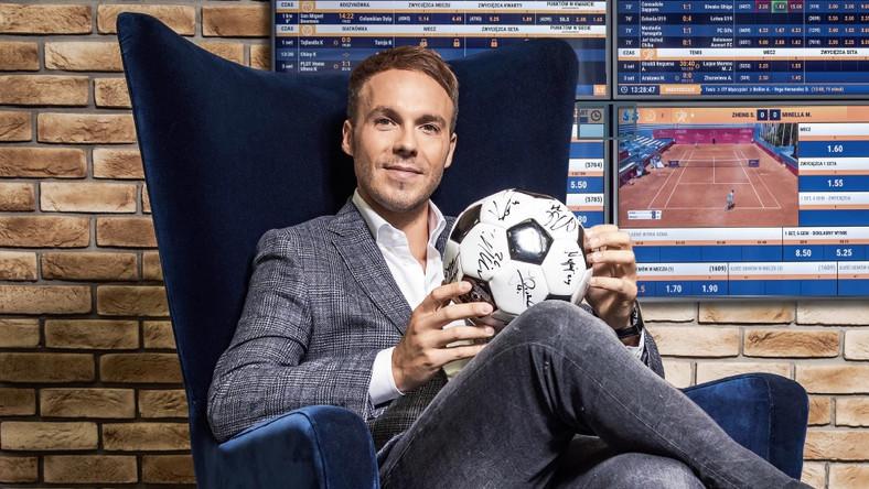 Mateusz Juroszek: Budowanie marki STS poza granicami Polski