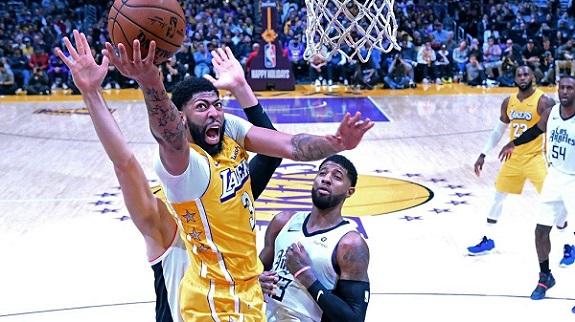 Lakers – Knicks, 08/01, godz: 04:30, hala: Staples Center