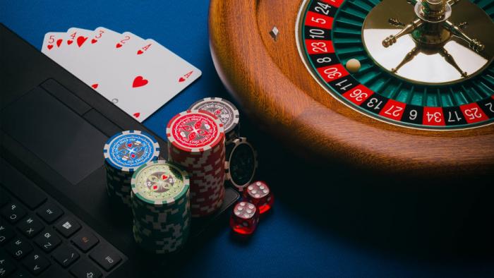 Jak wybrać najlepsze kasyno do gry na prawdziwe pieniądze?
